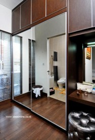 Cermin-untuk-Menghubungkan-Ruang_idea641